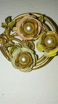 Pin -- Elegant with Faux Pearls -- Vintage