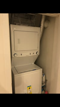 Selling Frigidaire stacked Washer Dryer in Excellent Condition ALHAMBRA