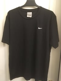 Nike black men's shortsleeve Surrey, V4N 0Y7