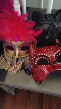red and black masquerade mask Lubbock, 79415
