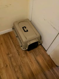 pet carrier  Windsor, N9A 1Y7