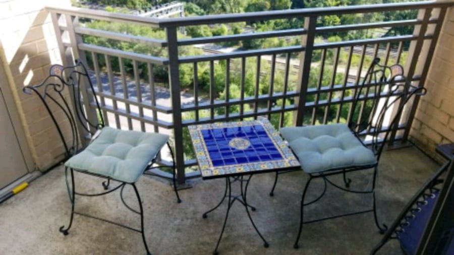 Garden table and chairs 4936e4b1-cb46-4757-9f3f-d45e7a954683
