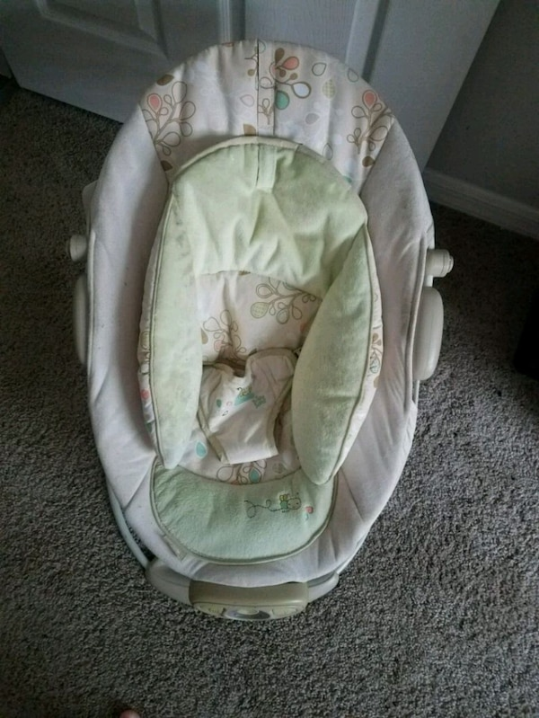 Baby seat/bouncer