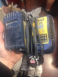 20v lithium dewalt battery and charger Brantford, N3S 3T3