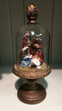 Nativity set with glass cover - New Mississauga, L5T