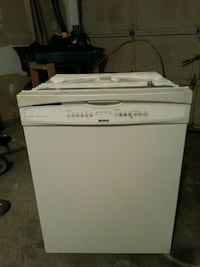White dishwasher Hamilton, L8K 6P9