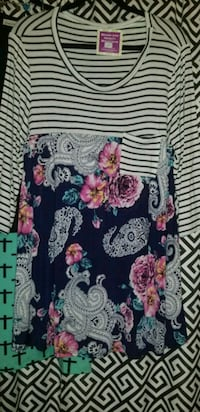 black, pink, and white floral long sleeve shirt Joshua, 76058
