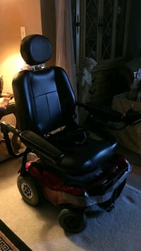 Electric Wheel Chair. In great Condition. 500$ OBO Cash Only :)
