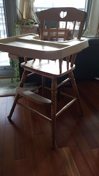 Classic wooden high chair