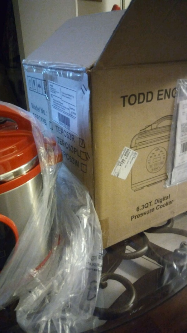 New - New Todd English digital presure cooker  28ab6110-86c3-4325-8527-bac6d2df0238