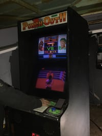 Super rare double monitor punch-out!! arcade machine Toronto, M8Y