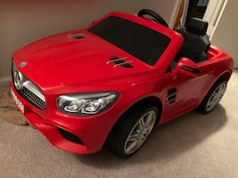 Cordless remote controlled children car