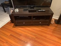 TV STAND Table Richmond Hill, L4S 1J7