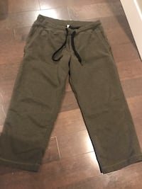 Men's lululemon pants ~ fatigue green ~ xxl ~ awesome shape Surrey, V4N 6A2