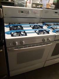 GE white gas stove in excellent condition