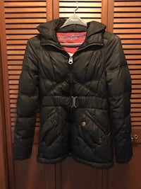 Puffer jacket with belt size Large (excellent condition) Greater Sudbury / Grand Sudbury, P0M 1M0