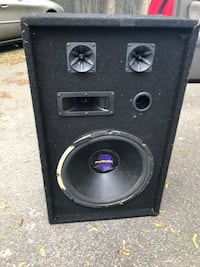 Speaker and horns work perfectly have grill aswell East Providence, 02914