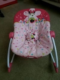 baby's pink and white floral bouncer Woodbridge, 22191