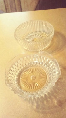two clear bowls for dip