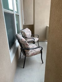 Patio Furniture; 6 person table with chairs + cushions. Umbrella and Outdoor Rug included. No Damage! Lakewood, 80401