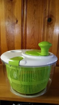 Cuisinart salad spinner used once Southgate