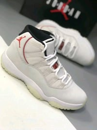 NIKE AIR JORDAN 11 RETRO PLATINUM TINT BASKETBALL