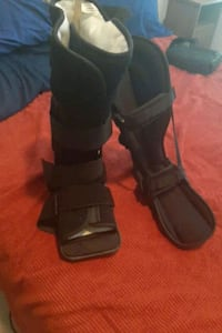 Medical.  Adult male walking boot and sleeping boot Herndon, 20171