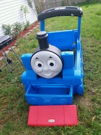 Little Tikes Thomas train toddler bed  !