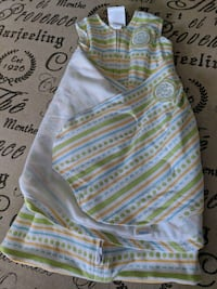baby's white and green onesie Burlington, L7L 7K5