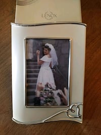 """Lenox Forevermore 4""""x6"""" frame, brand new in box"""