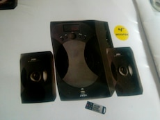 "black 4"" wooper speaker system with remote"