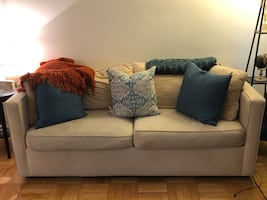 VELVET PULL OUT COUCH!