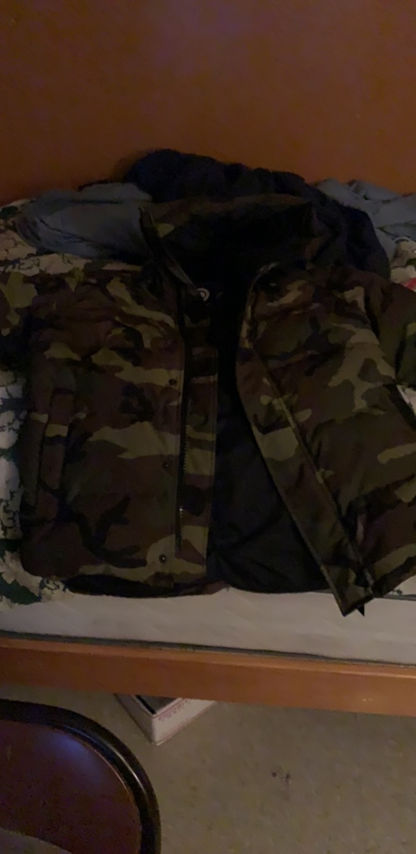 3cdff808f49ef Used black and brown camouflage jacket for sale in New York - letgo