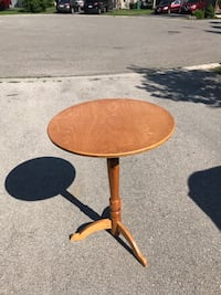 Wooden Side Table Mississauga, L5W 1Z7
