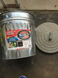 10 Gallon Galvanized Steel Locking Lid Can