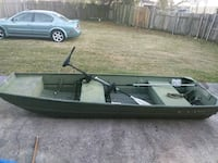 Flat boat with trolling motor anchor and paddle New Orleans, 70126