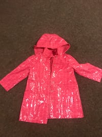 Girls rain jacket size 5 years  North Vancouver, V7P 1S3