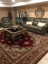 Very beautiful gorgeous living room sets Recliner's electric Troy, 48085