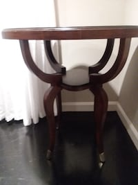 Beautiful* END TABLE , FOYER TABLE!!! SOLID WOOD  MEASURMENTS: 24.5 inches in Diameter x 27 inches Tall  Charlotte