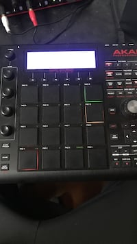 MPC studio (black) Newburgh, 12550