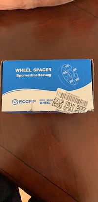 wheel spacer 1.5 inch hubcentric (12x1.5Studs) brand new