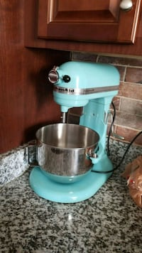Kitchenaid 5 quaters mixer Ashburn, 20148