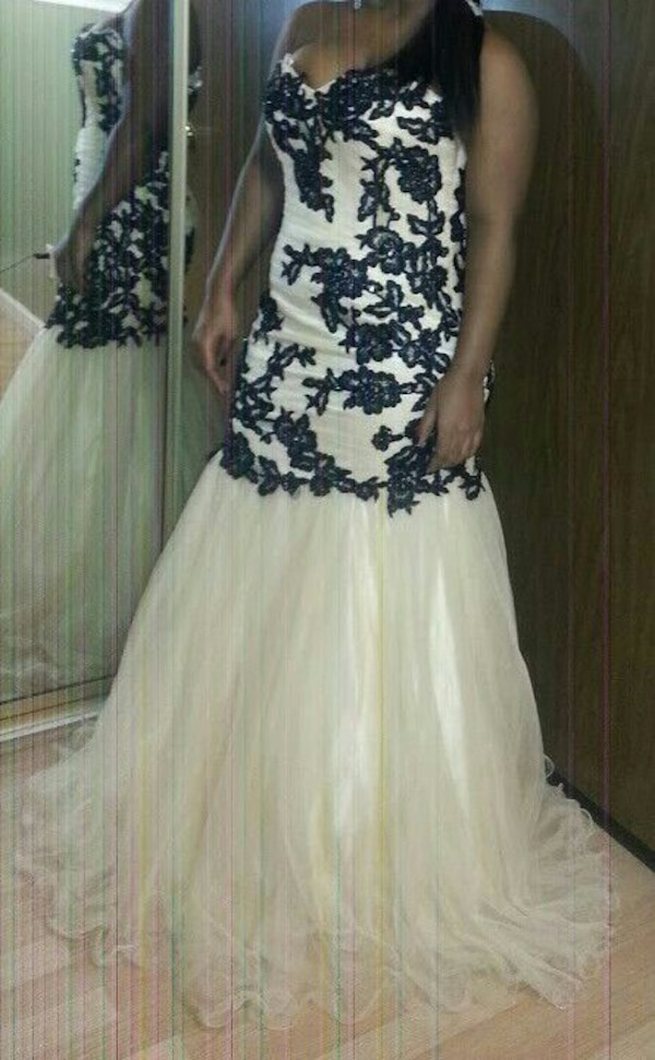 8dc507ba96b Used Prom Dress for sell!! Worn once!! for sale in Chicago - letgo