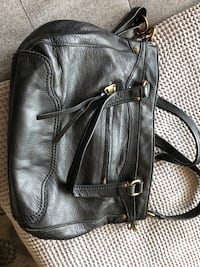 MOVING SALE - leaving in November -Genuine Leather handbag. Black Toronto, M5V 1M7