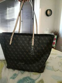 Oversized Guess Purse BNWT  Kitchener, N2E