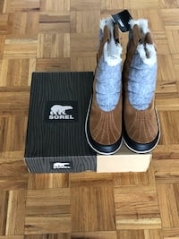 New Women's Sorel Winter Boots (Size 9.5)