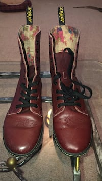 Pair of maroon AirWalker pebble leather combat boots size 7 Martinsburg, 25403