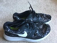 Nike DRS stunning shoes. Men's size 11.5. Great condition!