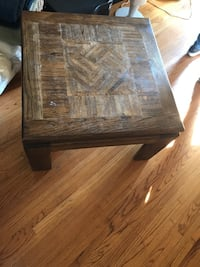 Wooden coffee table  Los Angeles, 90210
