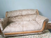 brown and beige floral fabric 2-seat sofa London, N6G 2S8
